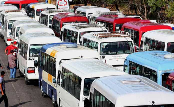 motoristas de la ruta urbana realizan paro de labores