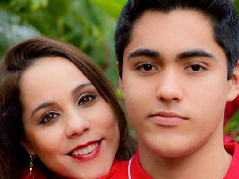 Madre de Collier: «Mi hijo no ha muerto, solamente anda de viaje»