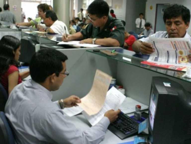 Empleados públicos quieren un incremento salarial, así como el de los diputados