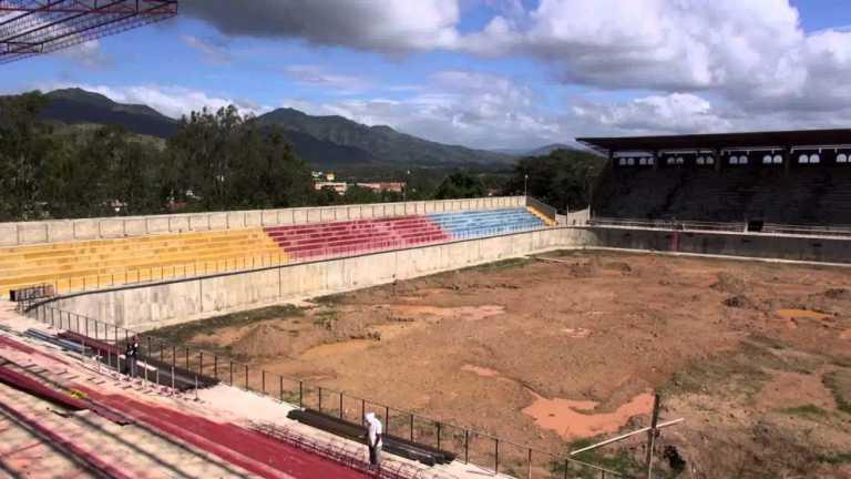 ¡Estadio Juan Ramón Brevé de Juticalpa busca levantarse del desastre!