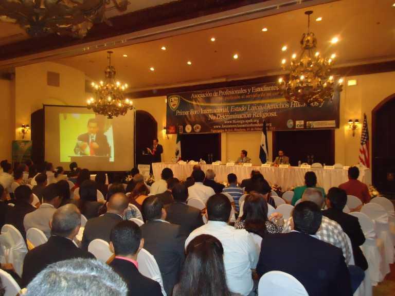 """FIH: """"Lectura de la Biblia en escuelas públicas de Honduras es inconstitucional"""""""