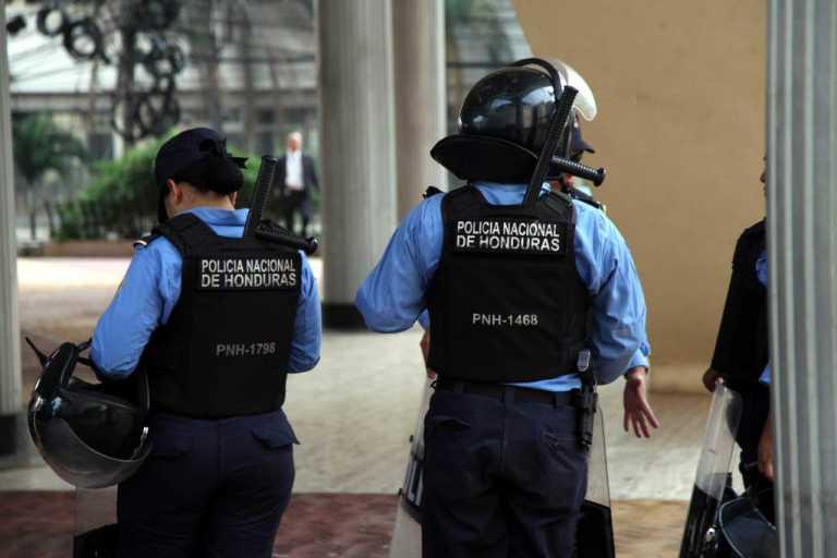Requieren a dos policías asignados a la aduana de Aguacaliente, Ocotepeque