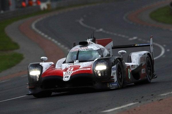 El español Fernando Alonso se coronó en Le Mans, la carrera más importante del mundo