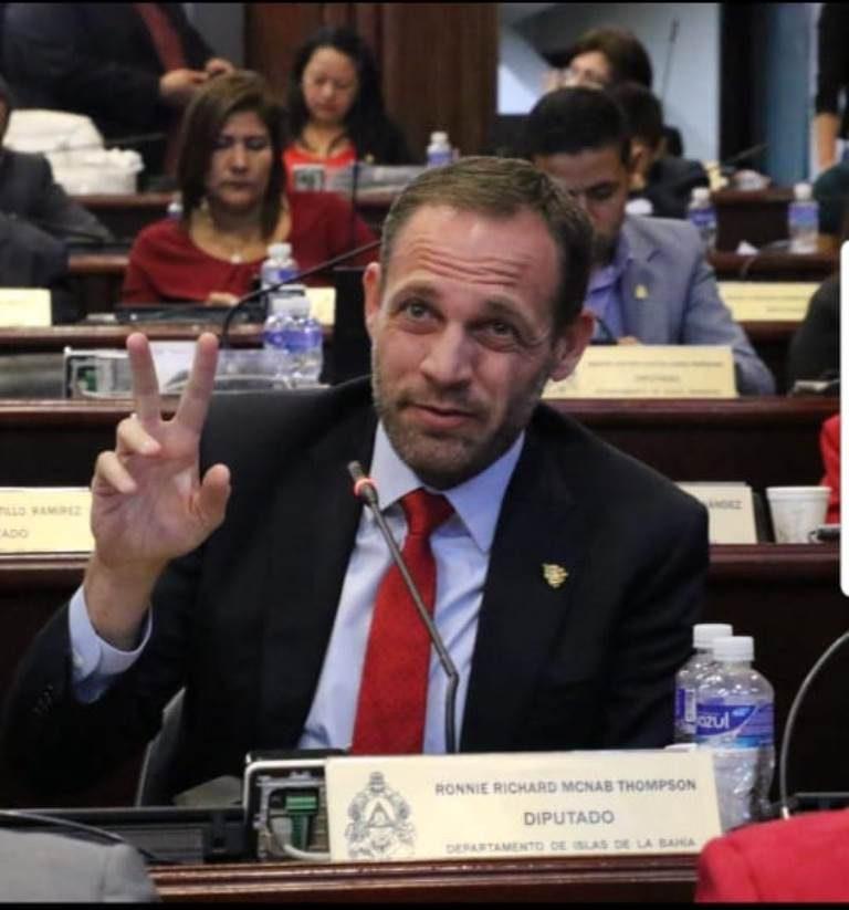 """Diputado Ronnie Mc Nab: """"Ratificamos a un Fiscal que ha hecho bien las cosas"""""""