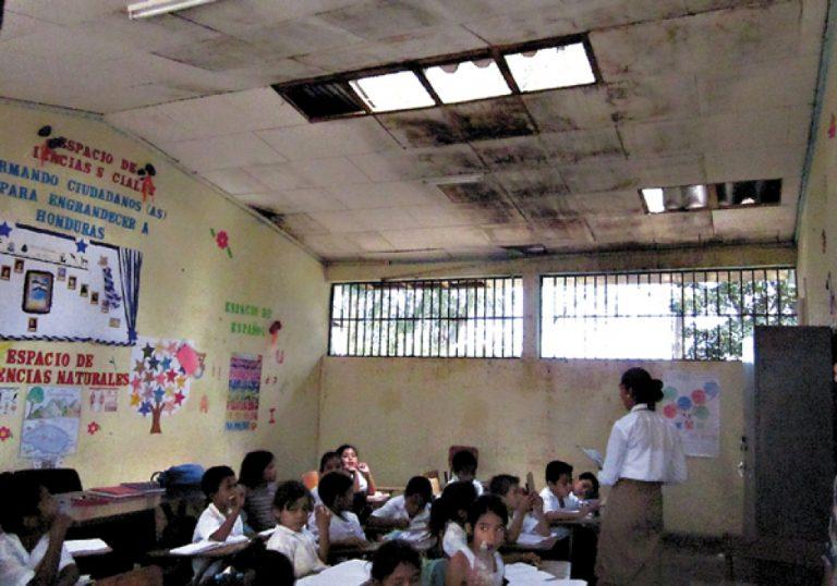 """Marcial Solís: """"No hay fondos para la reparación de centros educativos"""""""