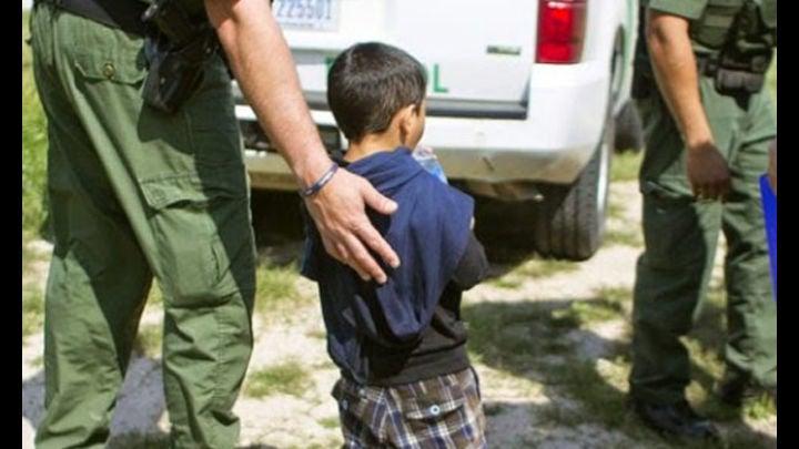 Autoridades de USA quitan hija a hondureña cuando la alimentaba dentro cárcel