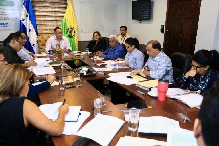 SPS: aprueban dotar de equipo odontológico a macro distritos municipales