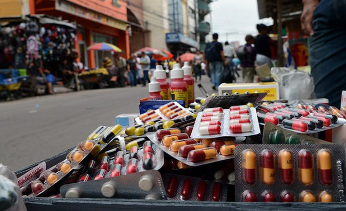 medicinas vendidas en la calle