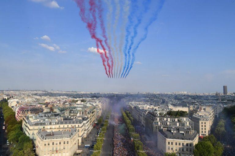 ¡Celebración Mundial! Hasta el cielo de París se tiñó con los colores de Francia