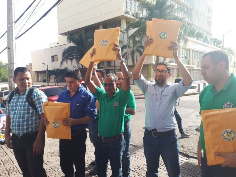 Magisterio continua exigiendo incremento salarial de más de tres mil lempiras