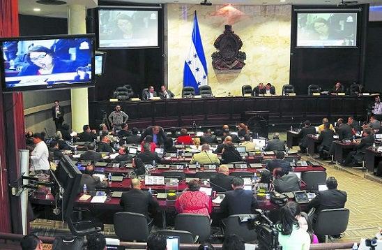 Congreso Nacional aprueba reforma para modificar decretos y elimina la «Fe de Errata»