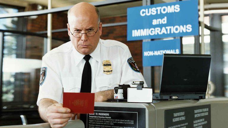 Alerta: Visas de turista pueden ser quitadas por agentes de migración