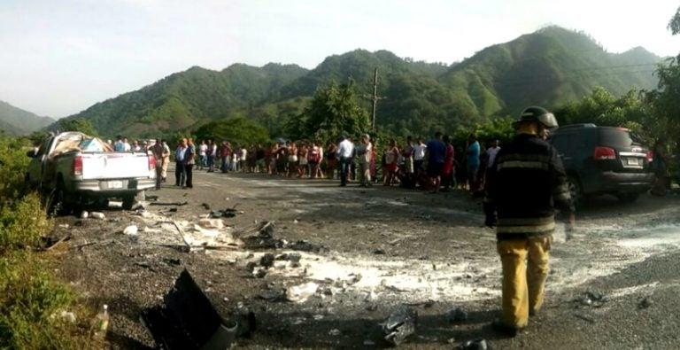 Colisión entre camioneta y pick-up deja un muerto y seis heridos en Yoro