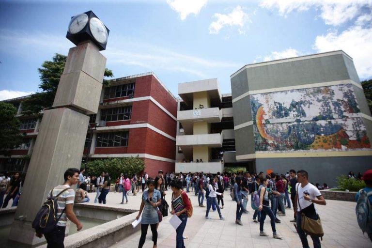 Desmienten asaltos en la escuela de Periodismo en UNAH, mientras ocurren en otros edificios