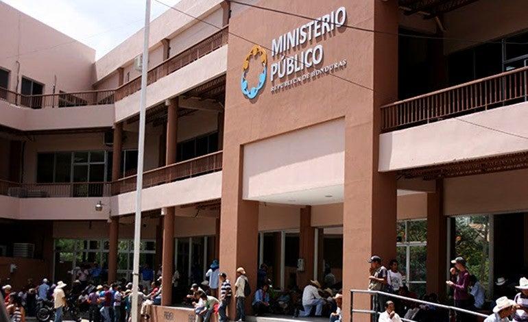 policías y militares acusados en Honduras