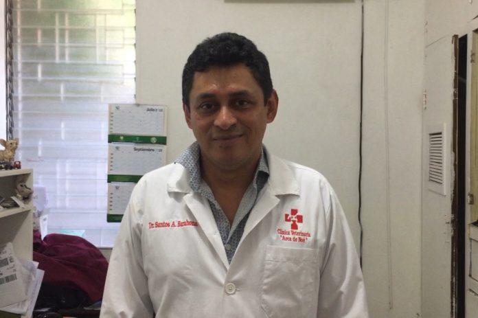 Dr. Santos Arturo Barahona