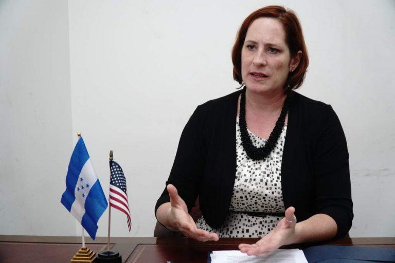"""Heide Fulton califica como un """"gran paso"""" la instalación del Diálogo Nacional"""