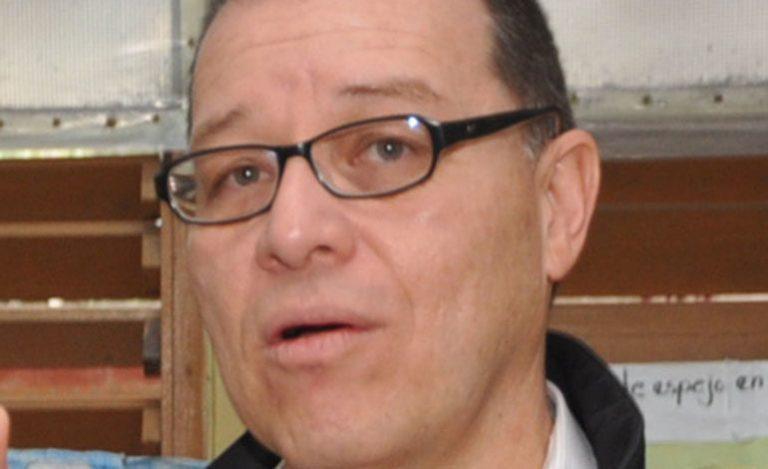 Arístides Mejía asegura que Mel Zelaya tiene negociaciones bajo la mesa con el Partido Nacional