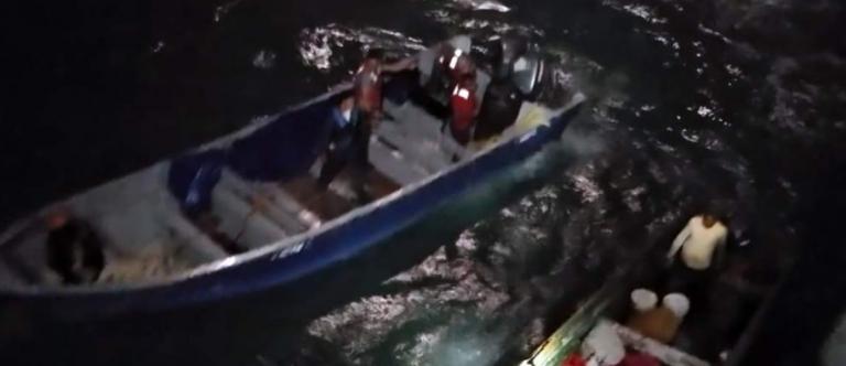 Rescatan a siete misquitos a la deriva en altamar tras sus señales de auxilio