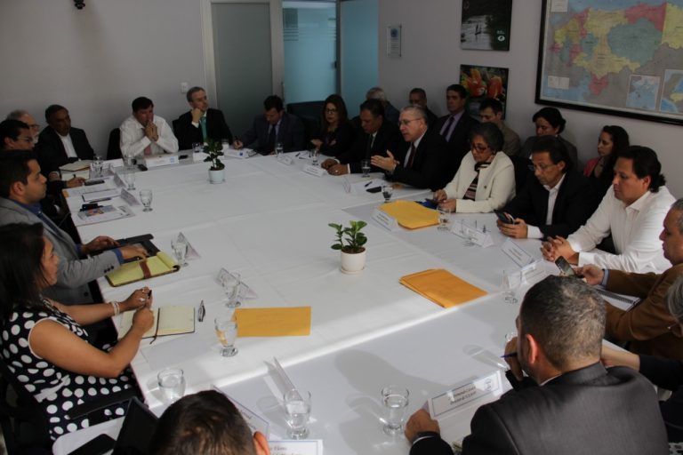 Actores políticos logran primeros acuerdos para lanzar diálogo nacional