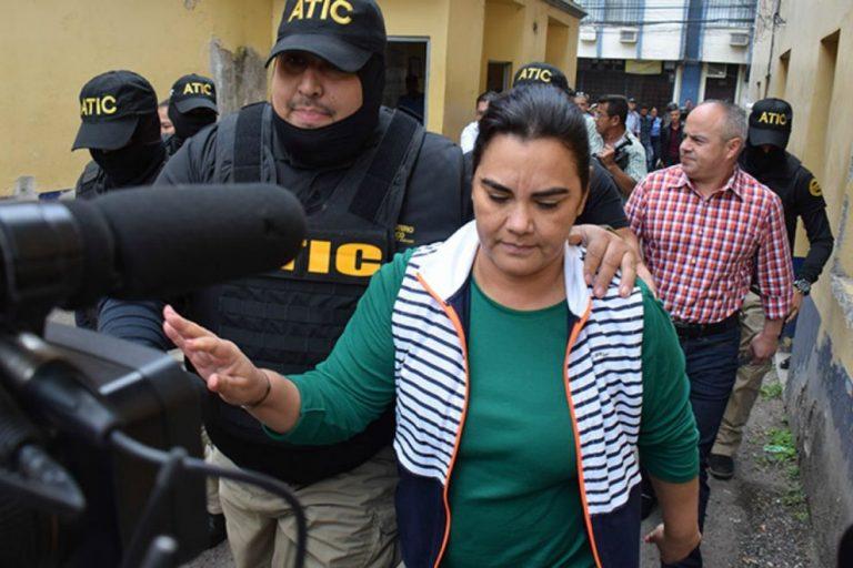 Continuará en prisión la exprimera dama Rosa Elena de Lobo