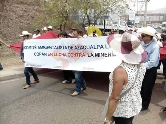 Azacualpa: Campaña de odio se suma a conflicto por mina de oro sobre cementerio