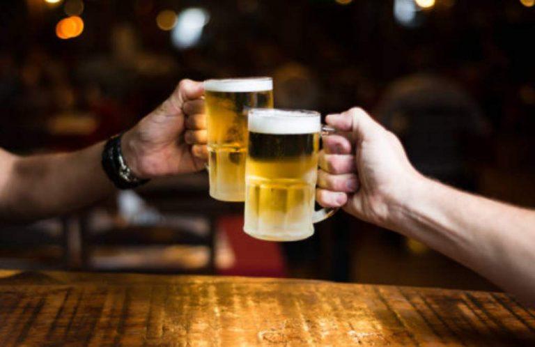 Abogado dice que aumento al precio de la cerveza es inconstitucional; diputado reacciona