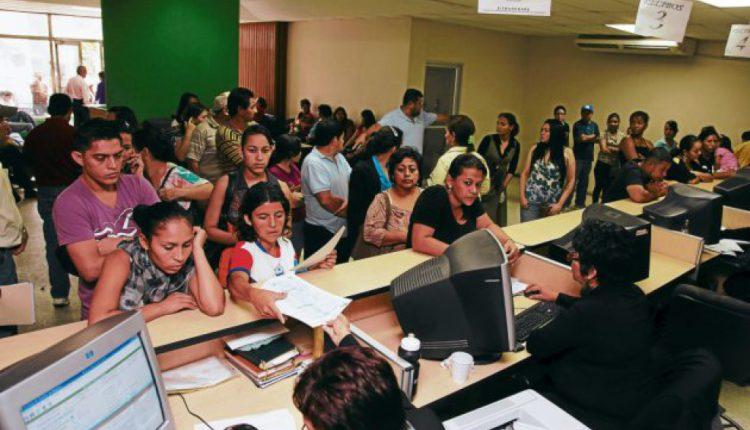 Mocionan para que padres elijan orden de apellidos al inscribir sus hijos en RNP