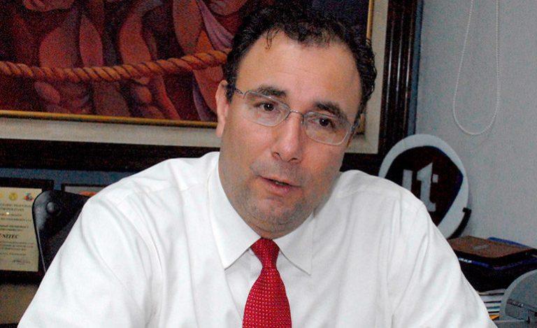 Admiten demanda contra Luis Zelaya; el expresidenciable dice que no se referirá a ese caso