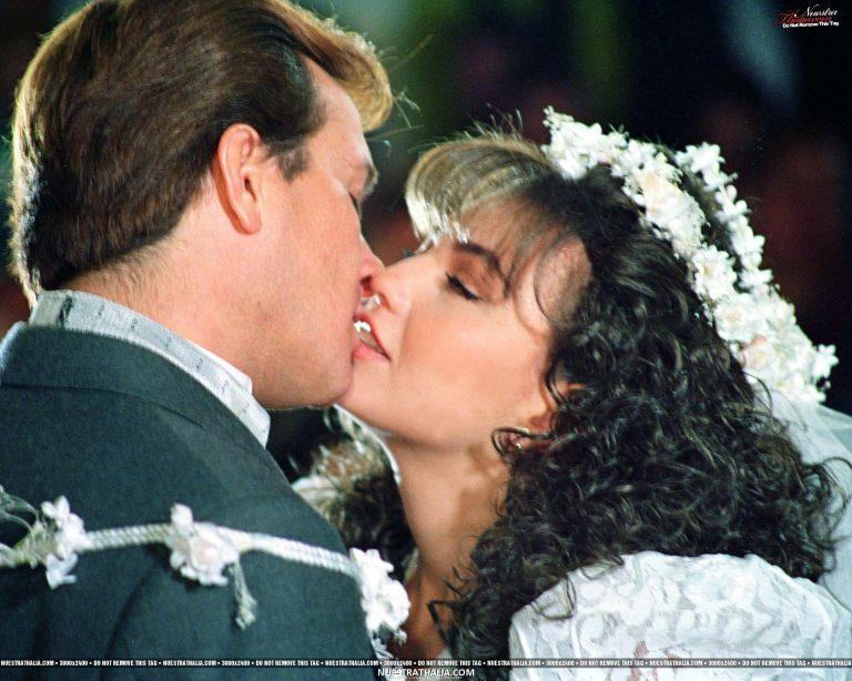 """Arturo Peniche confiesa que le daba asco besar a Thalia; actores de """"María Mercedes"""""""