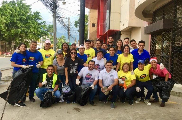 Honduras: la Cámara Junior entra en acción durante los desfiles patrios
