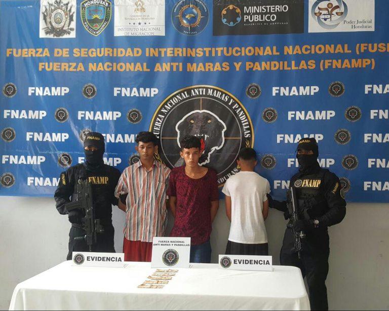 Acorralan y capturan a tres supuestos «tercereños» en la Rivera Hernández