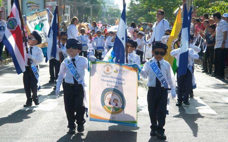 ¡Derroche de talento! Los más pequeños dan inicio a los desfiles en SPS
