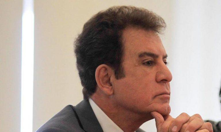 """Salvador Nasralla: """"Mel"""" juega su propio interés al querer reglamentar reelección"""