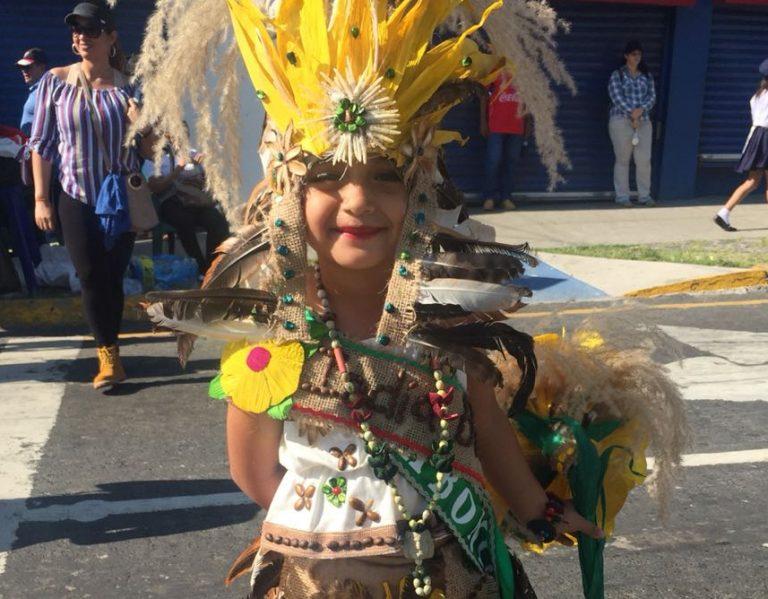 SPS: ¡Se «pulieron» los de primaria! Ritmo, alegría y color en desfiles de escuelas