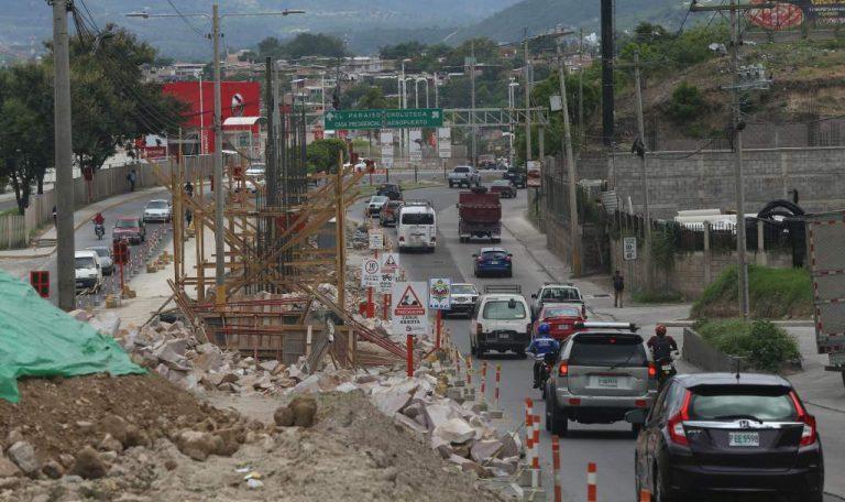 Mantendrán cierre de vías en el bulevar FF.AA a la altura del Metromall