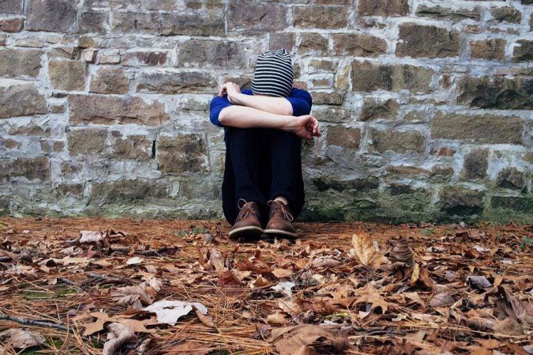 OMS: superar el «tabú», una clave para reducir los suicidios en jóvenes