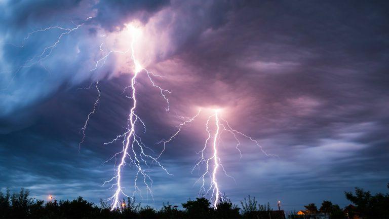 CLIMA DE ESTA TARDE: lluvias con actividad eléctrica en varias zonas del país