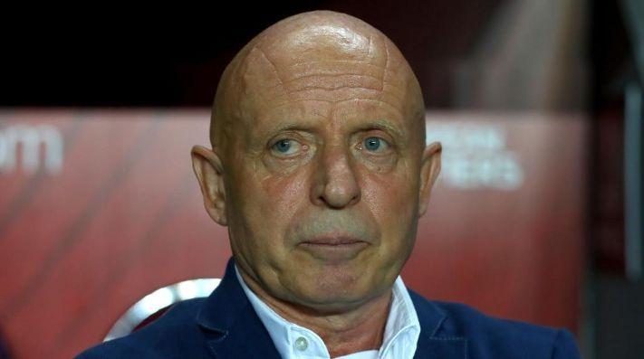 ¡El técnico de República Checa pidió que lo ejecuten!