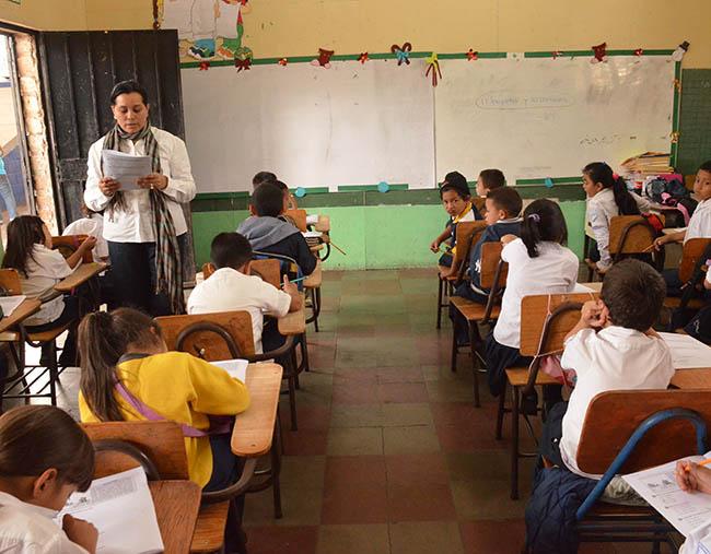 Congreso Nacional dará trámite a iniciativa sobre reajuste salarial para maestros