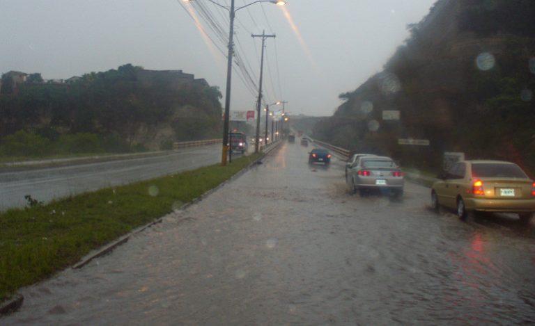 CLIMA DE HOY: Lluvias y actividad eléctrica en todo el país, según CENAOS