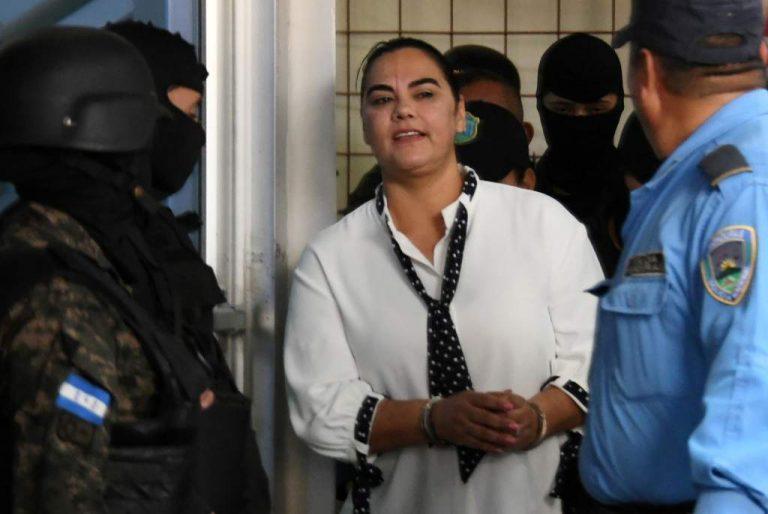 Presentan un nuevo recurso de amparo a favor de la exprimera dama Rosa Elena de Lobo