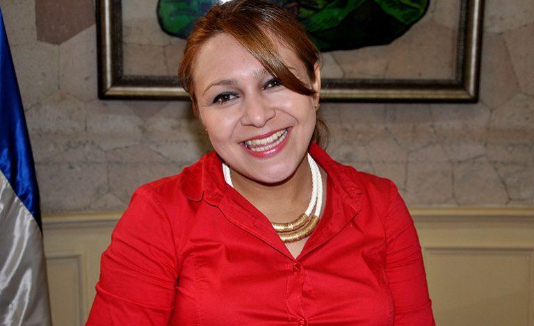 "LA ENTREVISTA Marlene Alvarenga: ""me identifico con el personaje bíblico, Jesús"""