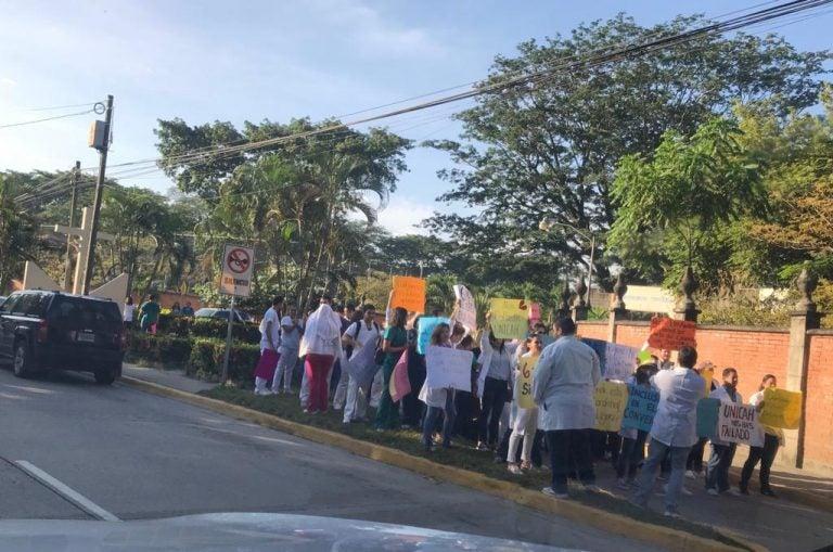 Universidad Católica: estudiantes de Medicina piden hacer pronto el servicio social