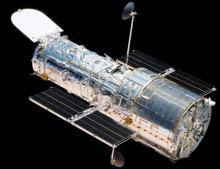 El «Hubble» vuelve a funcionar después de inactividad por tres semanas