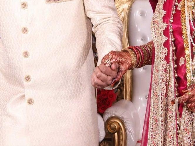Nueva Deli: Le disparan camino a su boda; lo vendan y regresa a la fiesta
