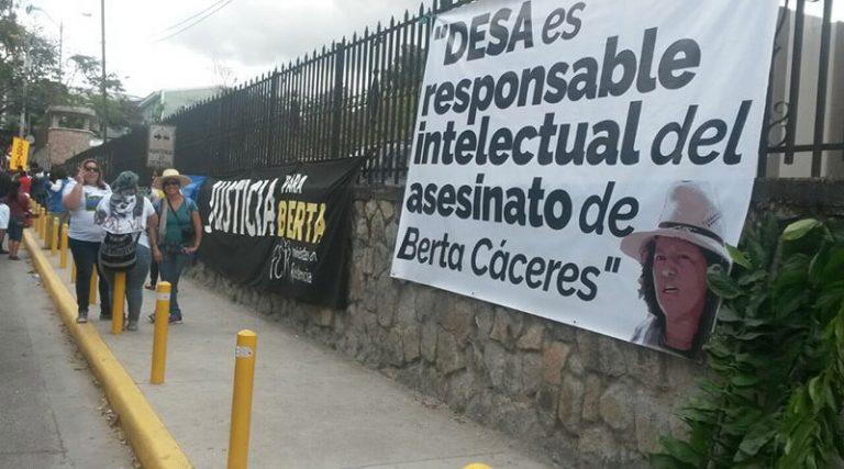 """DESA califica como """"farsa"""" al fallo emitido en caso de Berta Cáceres"""