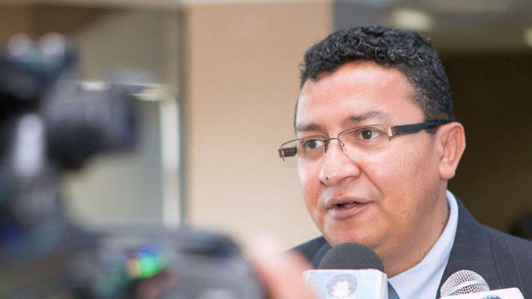 ASJ revela que empresa procesada judicialmente suministra medicinas al HEU