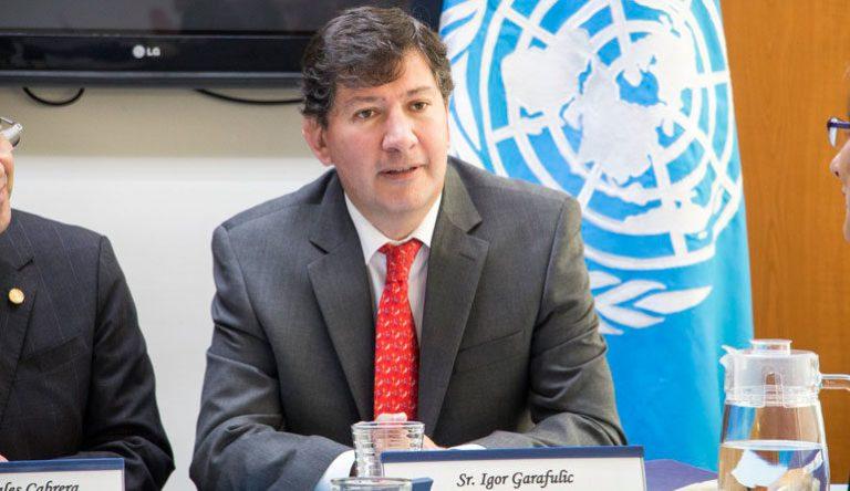 Garafulic asegura que discuten propuesta de consultarle al pueblo sobre la reelección