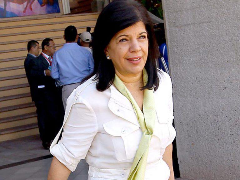 """Juliette Handal: «constituyente no es la solución, no hay constitucionalidad en el país"""""""